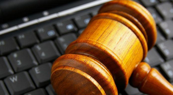 Imagem de: Justiça dos EUA decide que usar redes sociais é um direito constitucional
