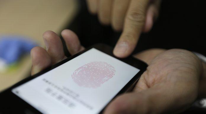 Imagem de: Polícia americana desbloqueia iPhones com dedos de pessoas mortas