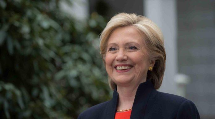 Imagem de: Hillary Clinton quer deixar a internet mais rápida e abrangente nos EUA