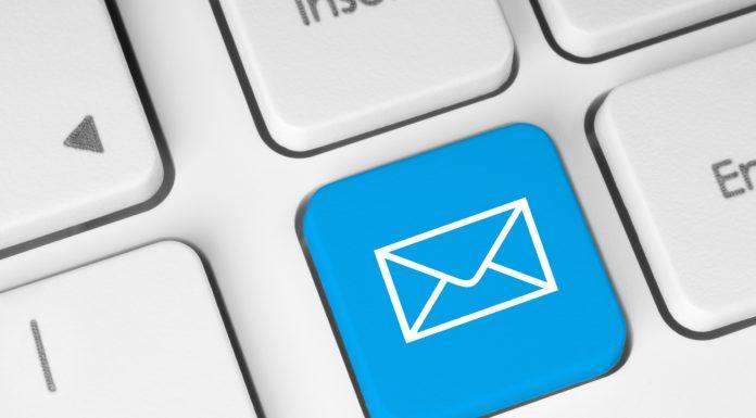Imagem de: Cofundador do Slack afirma que emails são as baratas da internet