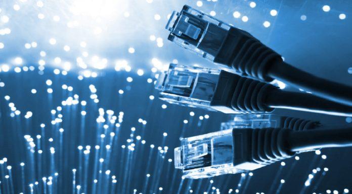 Imagem de: Escolas públicas vão ter internet de 78 Mbps até 2018
