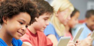 Imagem de: Polêmica: mais estudos dizem que a internet está gerando crianças infelizes