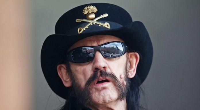 Imagem de: Enterro de Lemmy Kilmister do Motörhead terá transmissão ao vivo no YouTube