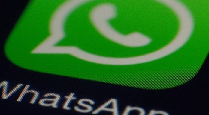 Imagem de: Novo 'golpe do WhatsApp' oferece R$ 15 de crédito no celular, mas é furada