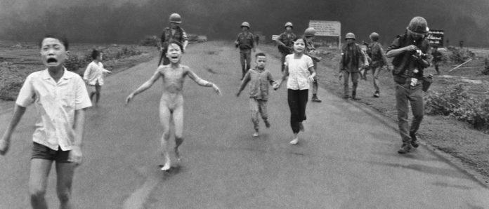 Imagem de: Facebook apaga foto famosa da Guerra do Vietnã e recebe críticas pelo mundo