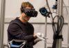 Imagem de: Mark Zuckerberg mostra que, em breve, trocaremos controles por luvas no VR