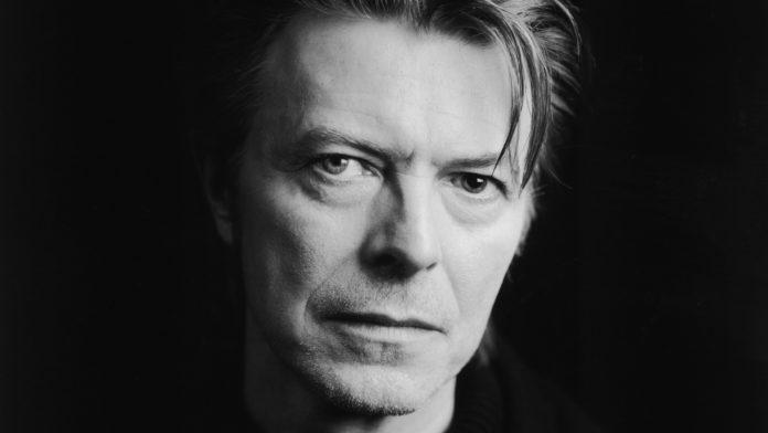 Imagem de: David Bowie morre aos 69 anos; veja as reações na internet