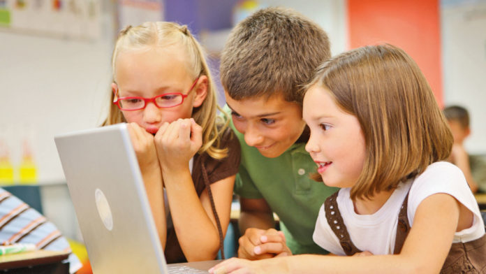 Imagem de: Estudo revela regras que crianças imporiam a seus pais em redes sociais