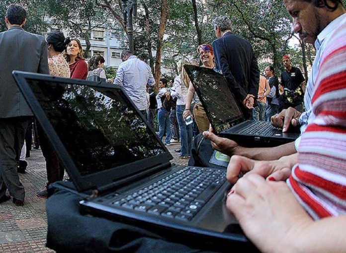 Imagem de: Pontos de WiFi gratuito estão ameaçados no Brasil