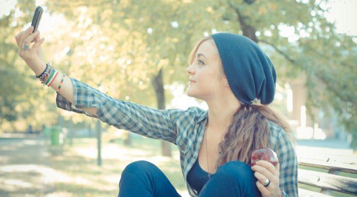 Imagem de: App bonifica selfies com molduras de marcas em redes sociais