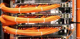 Imagem de: 35 fotos de cabos organizados que vão dar 'orgasmos' em profissionais de TI