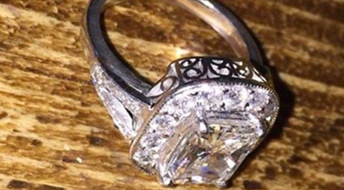 Imagem de: Rede do bem: Mulher recupera anel de diamante graças ao Facebook