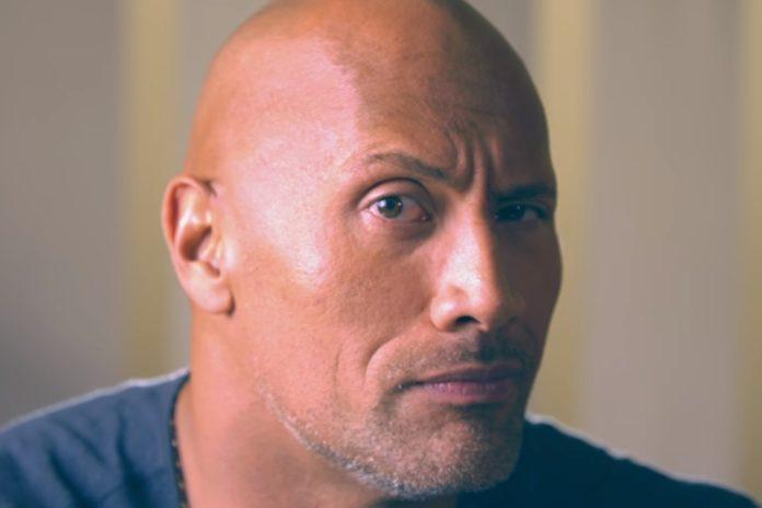 Imagem de: Em trailer épico e bem-humorado, ator 'The Rock' anuncia canal no YouTube