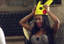 Imagem de: Inês Brasil se veste de Pikachu para pegar boy que joga Pokémon GO