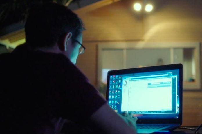 Imagem de: Filme de Oliver Stone sobre Edward Snowden ganha trailer sensacional!