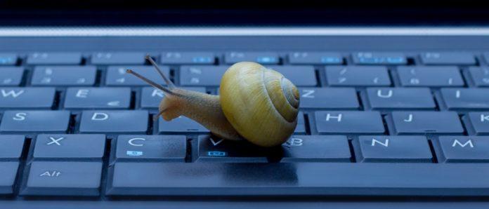 Imagem de: Provedora fere lei da Anatel e demora 30 dias para instalar banda larga