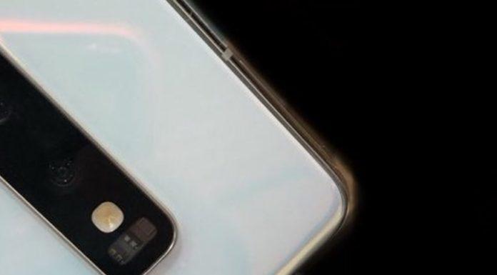 """Imagem de: Galaxy S10 volta a aparecer em foto real e em """"protótipo"""" não oficial"""