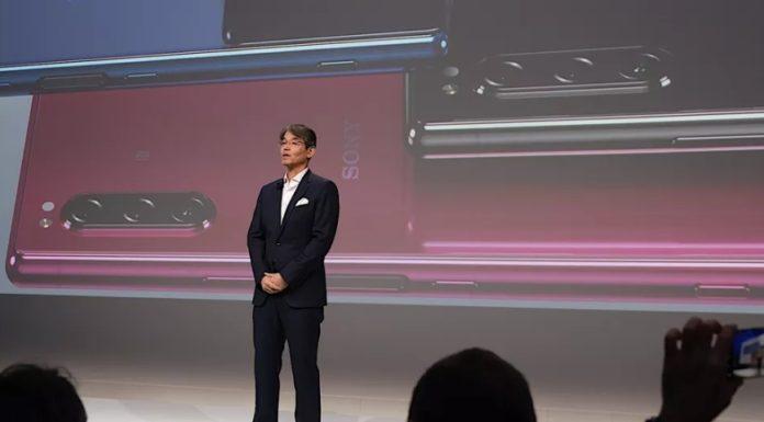Imagem de: Sony anuncia o Xperia 5: topo de linha compacto com três câmeras e tela HDR