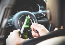 """Imagem de: Órgão afirma que """"dirigir"""" bêbado será uma possibilidade com autônomos"""