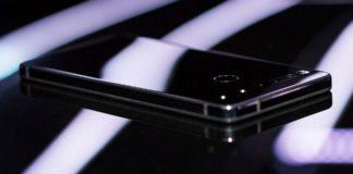 Imagem de: Essential Phone, que popularizou o notch na tela, não será mais fabricado