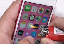 Imagem de: Novo iPod Touch sofre e não resiste a teste de durabilidade [vídeo]