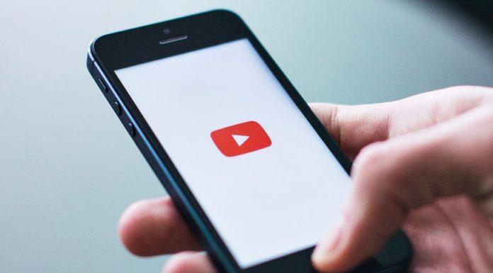 Imagem de: Usuários relatam sugestões perturbadoras no autopreenchimento do YouTube
