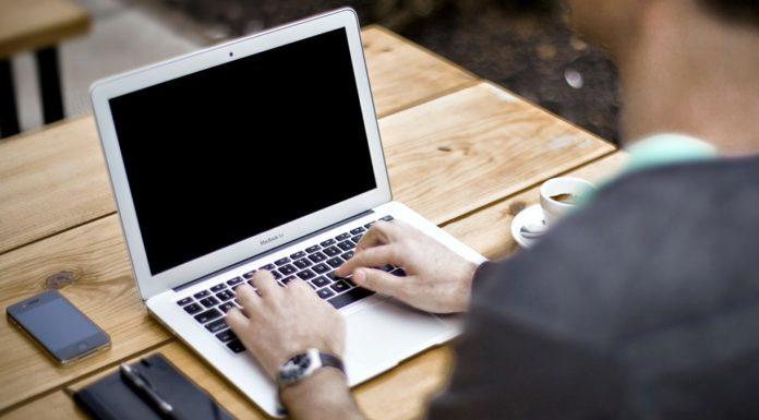Imagem de: Alerta: novos golpes usam páginas falsas de emprego para roubar dados