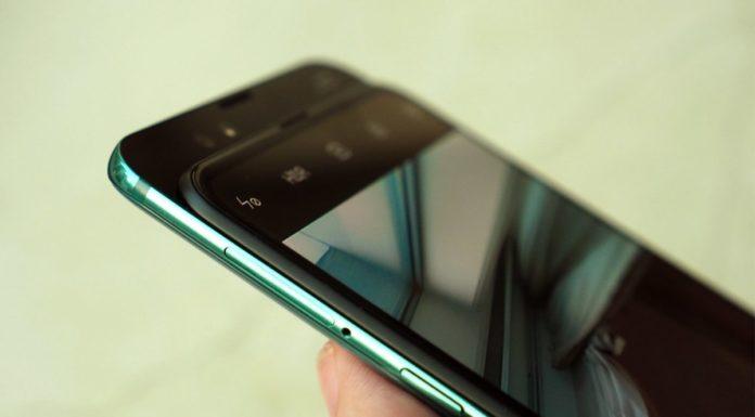 Imagem de: Lenovo pode estar pensando em celular com parte traseira deslizante