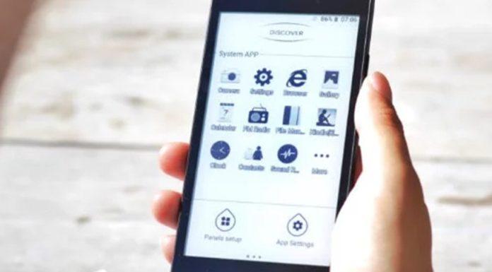Imagem de: Kingrow K1: celular com 'tela de Kindle' promete duas semanas de bateria