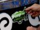 Imagem de: Motorola doa celulares para catadores usarem aplicativo de reciclagem