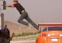 Imagem de: Parece cinema: assaltantes roubam iPhones de caminhão em movimento [vídeo]