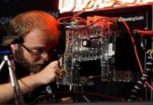 Imagem de: Robôs já conseguem roubar um cofre mais rápido que um ser humano