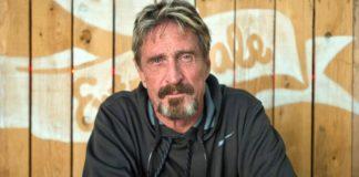 Imagem de: 'Todos os roteadores na América podem ser hackeados', diz John McAfee